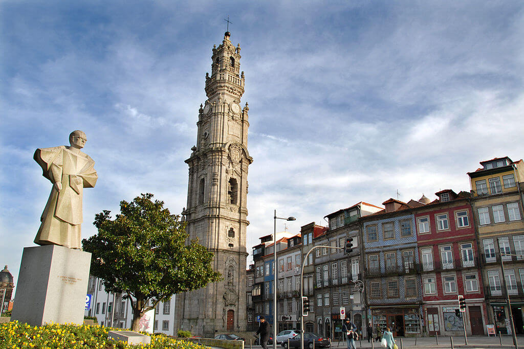 Torre dos Clerigos, one of the main attractions in Porto