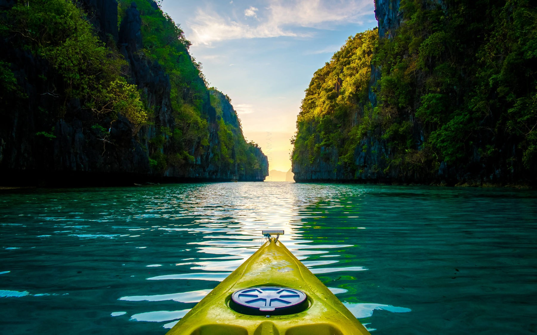 Palawan, kayaking in the Philippines