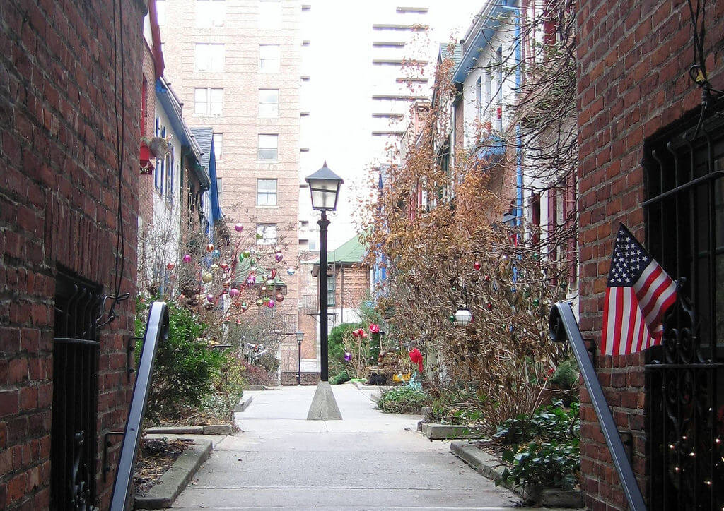 Pomander Walk, New York, unusual places to visit