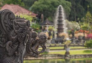 Old monument during Bali 7-day vacations