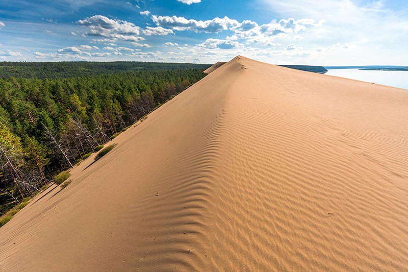 Tutulans deserts in Yakutia region of Russia, natural attractions