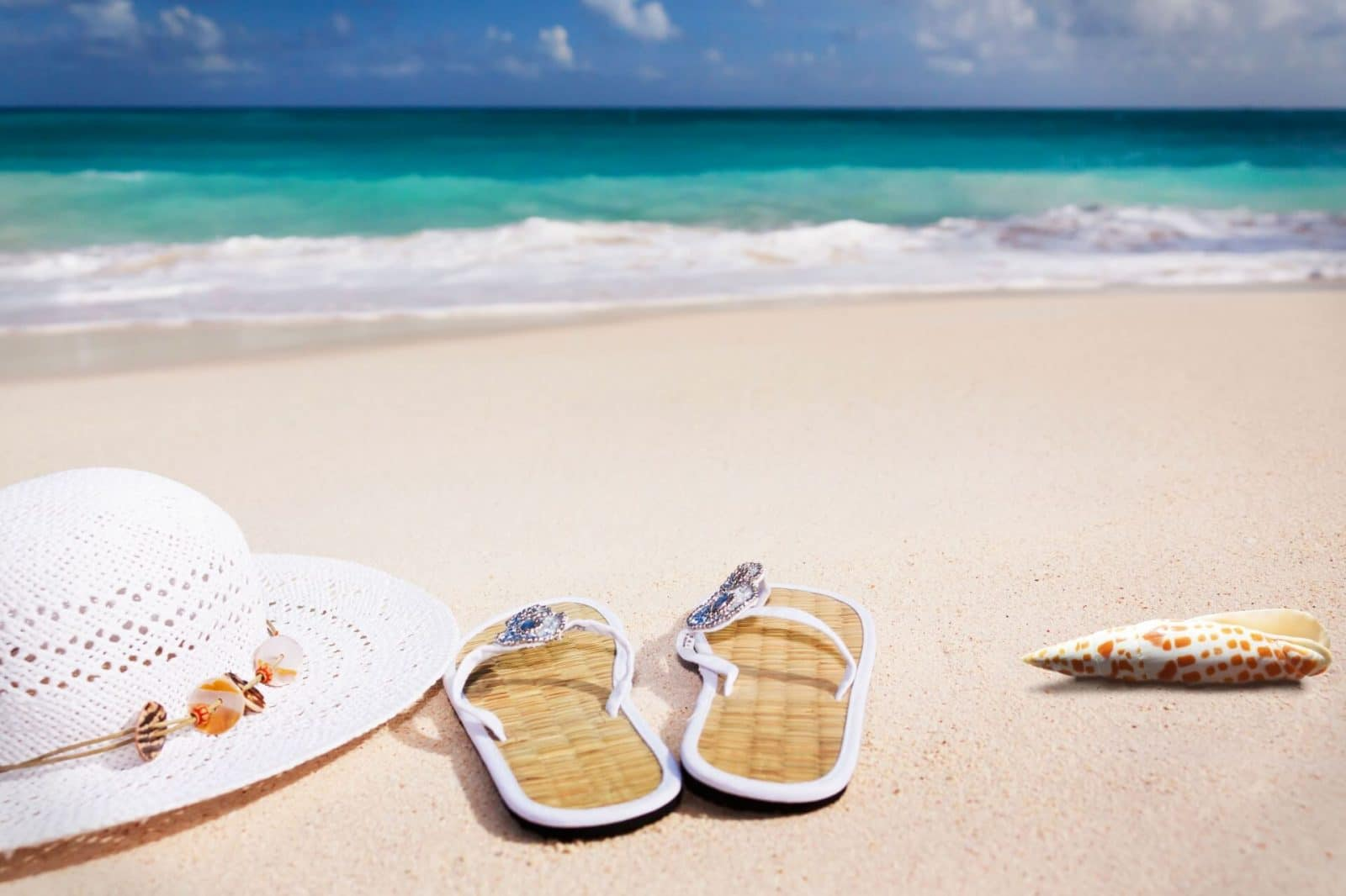Summer vacations beach packing list, flip flops to take with you on a beach vacation
