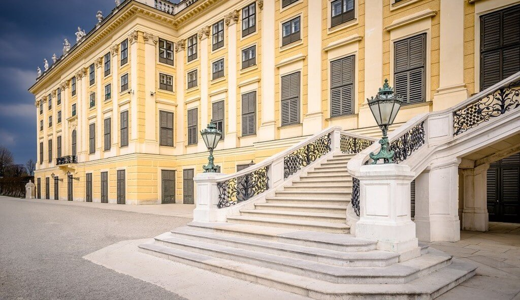 Vienna Schoonbrunn Palace, best places to visit on a budget