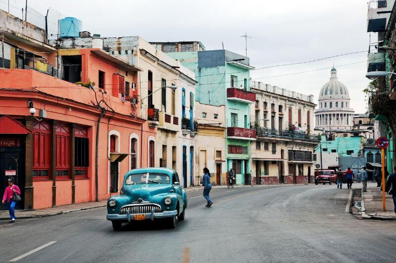 Cuba old cars and colorful houses, 7-day itinerary to main attractions