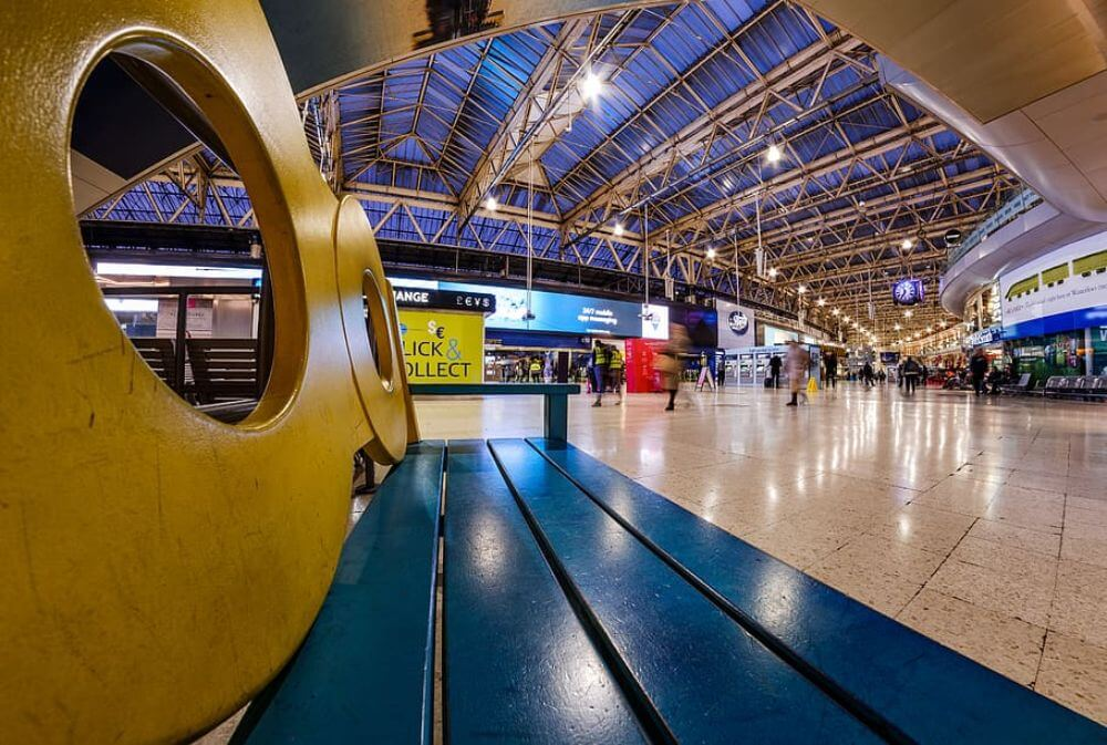 Bench and panorama of waterloo station in London, things to do