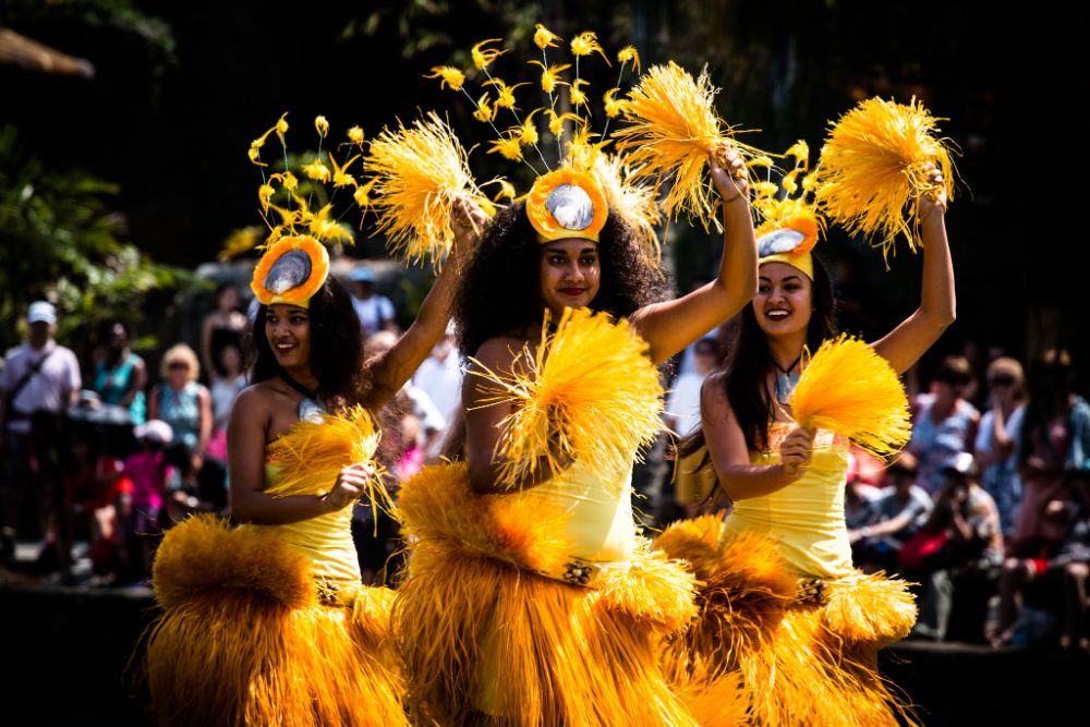 Traditional dancing in Tahiti, things to do in a day