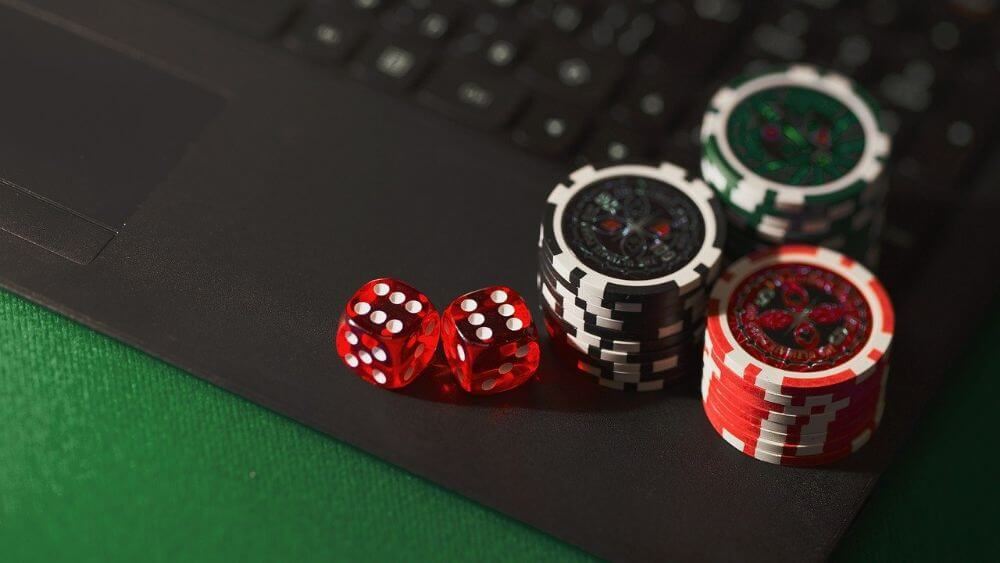 dice and poker, online gambling