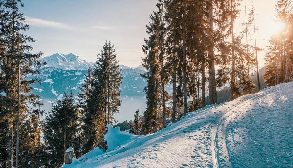 Mountains sunny view, ski vacation tips for families
