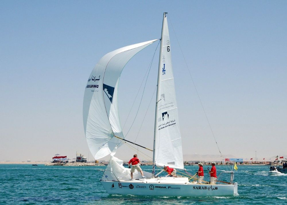Sailing on a sailing boat in Bahrain, things to do