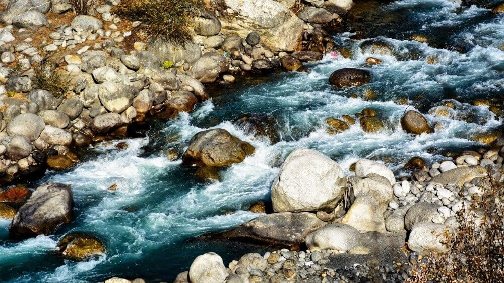 Beas river in the Himalayas, things to do in Manali